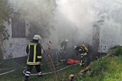 Kein Problem - ein Gebäudebrand ganz ohne fremde Hilfe