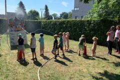 Kindergarten war zu Gast bei der Neudorf-Platendorfer Feuerwehr