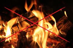 Verbot von offenen Feuern - Warnhinweis wegen erhöhter Brandgefahr